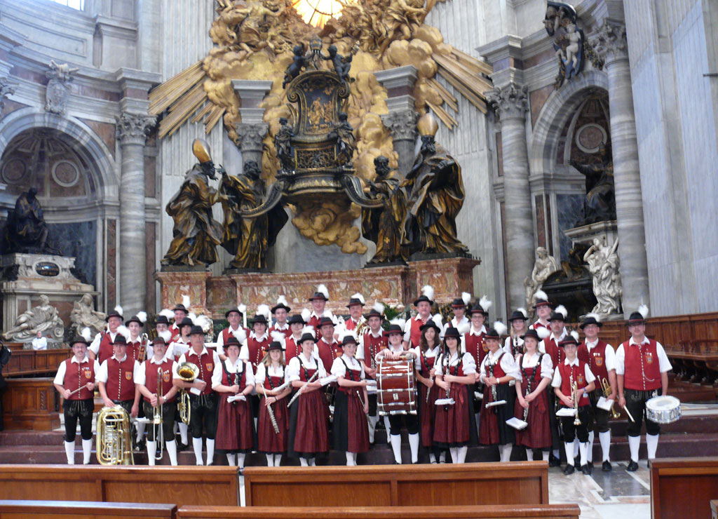 rom-parade4